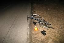 Tragická nehoda cyklistky a citroenu u Určic