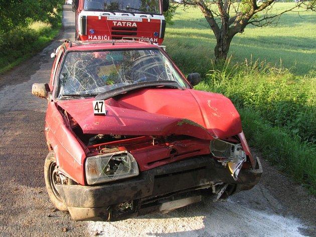Škoda na vozidle je deset tisíc korun.