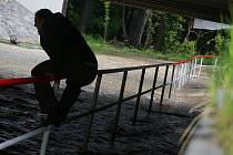 Rozvodněná Hloučela zalila podchod v Kostelecké ulici v Prostějově