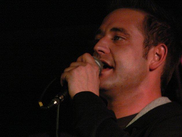 Zpěvák kapely Lukem vládne talentem pro skládání melodií.