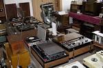 Radiomuseum pana Jiřího Charváta v Dobrochově