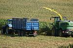 Sklizeň kukuřice na polích u Žárovic - 9. 9. 2020