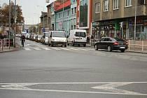 Kvůli uzavírce Svatoplukovy ulice v Prostějově, se na Újezdě tvořily kolony