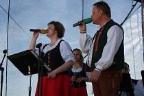 K poslechu a tanci hrála i Moravská Veselka ze Sušic u Přerova