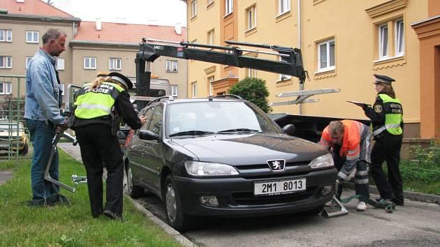 Blokové čištění ulic znamená pro řadu řidičů nepříjemné překvapení v podobě odtáhnutí jejich auta
