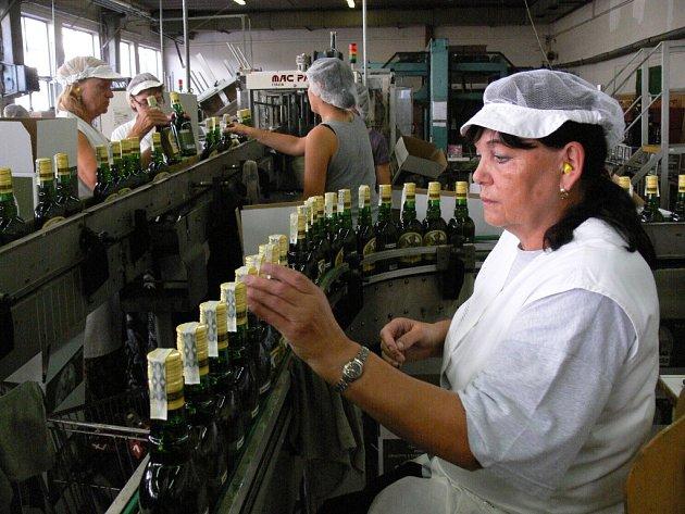 Výroba destilátů v prostějovské Starorežné se znovu rozjela