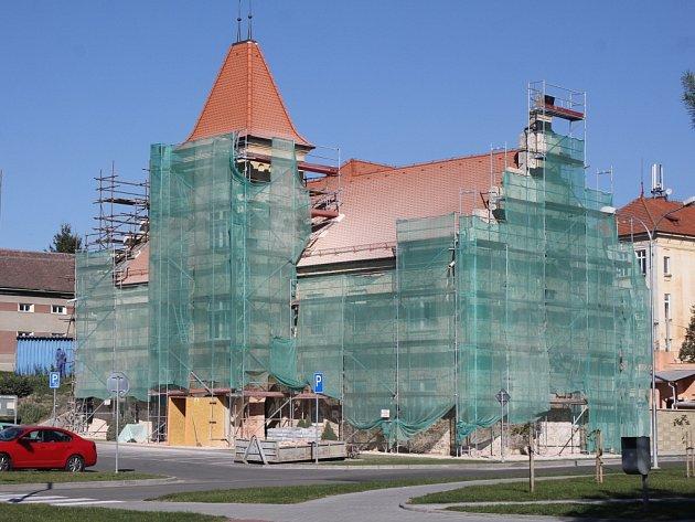 Oprava radnice v Kostelci na Hané