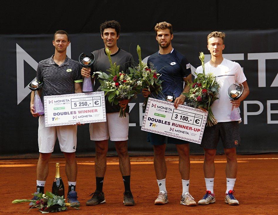 Finále čtyřhry Czech Open (zleva) Filip Polášek, Philipp Oswald, Jiří Veselý a Jiří Lehečka.