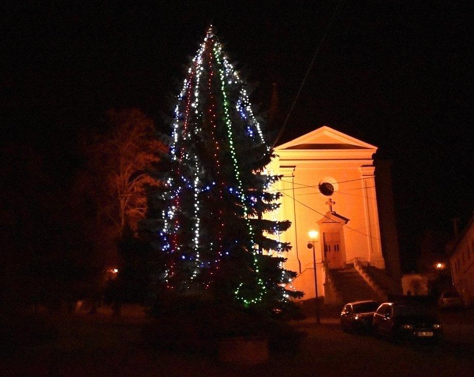 Vánoční strom 2020 v Ohrozimi