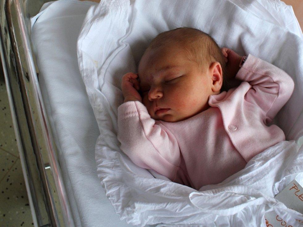 Alena Plenařová, Prostějov, narozena 30. července, 50 cm, 3550 g