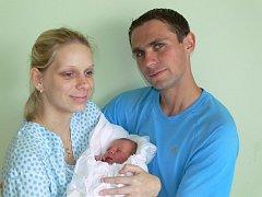Ema Navrátilová s maminkou Ivou a tatínkem Janem, Prostějov, narozena 18. 8. 2011, 48 cm, 2,8 kg
