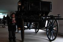 Expozice bude kromě historických kočárů zahrnovat jedinou sbírku kočárových luceren v Evropě.