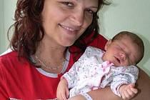 Ludmila Crhonková s maminkou Šárkou, Otinoves, narozena 3. srpna, 47 cm, 2600 g