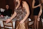 Tanečníci v pátek pomohli tancem nevidomým dětem z Praktické školy a Základní školy speciální Tetín 7.