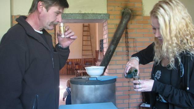Hanáci se v sobotu proměnili ve znalce vína.