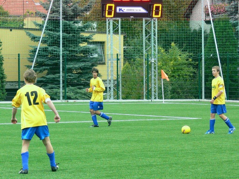 Žákovský turnaj ve sportovním areálu Pod Kučerákem.