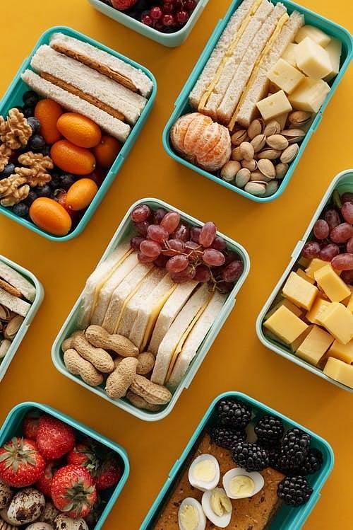 Pro upevnění zdraví a optimální váhy je důležitá ve stravě pestrost a pravidelnost.