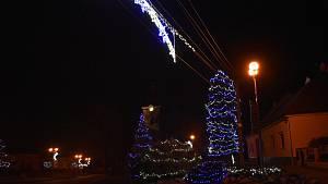 Bohatá vánoční výzdoba v Kralicích nad Hanou