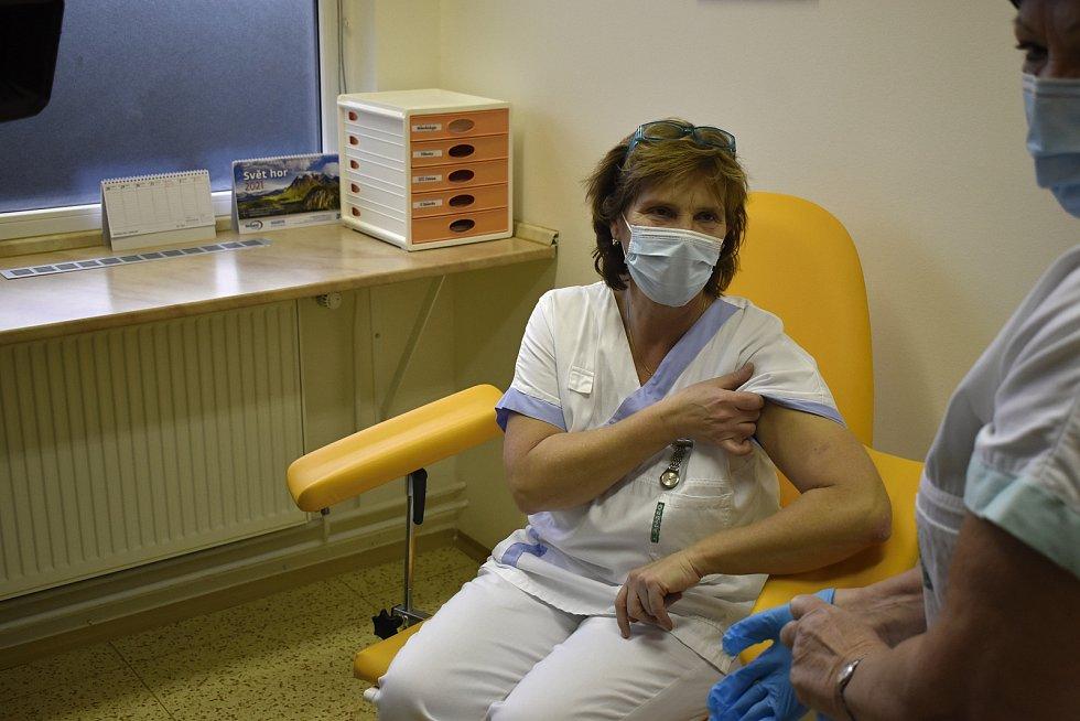 V prostějovské nemocnici se začalo s očkováním proti Covid-19. 4.1. 2020