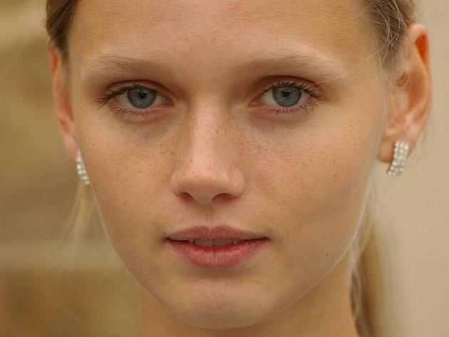 Mladá nadějná modelka Lenka Hanáková