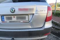 V Anenské ulici v Prostějově řidič naboural do zaparkovaného auta. Od nehody ujel