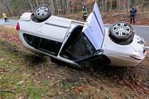 Nehoda škodovky mezi Sečí a Holubicemi