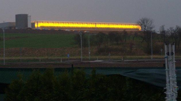 Lidem v části Čelechovic na Hané ztrpčuje život skleník stojící ve Smržicích.