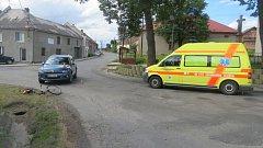 Srážka auta s cyklistkou v Myslejovicích