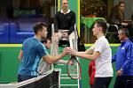 V Prostějově dnes domácí tým v semifinálové skupině Tenisové extraligy potvrdil roli favorita. TK Agrofert vede nad Prechezou Přerov 5-2,