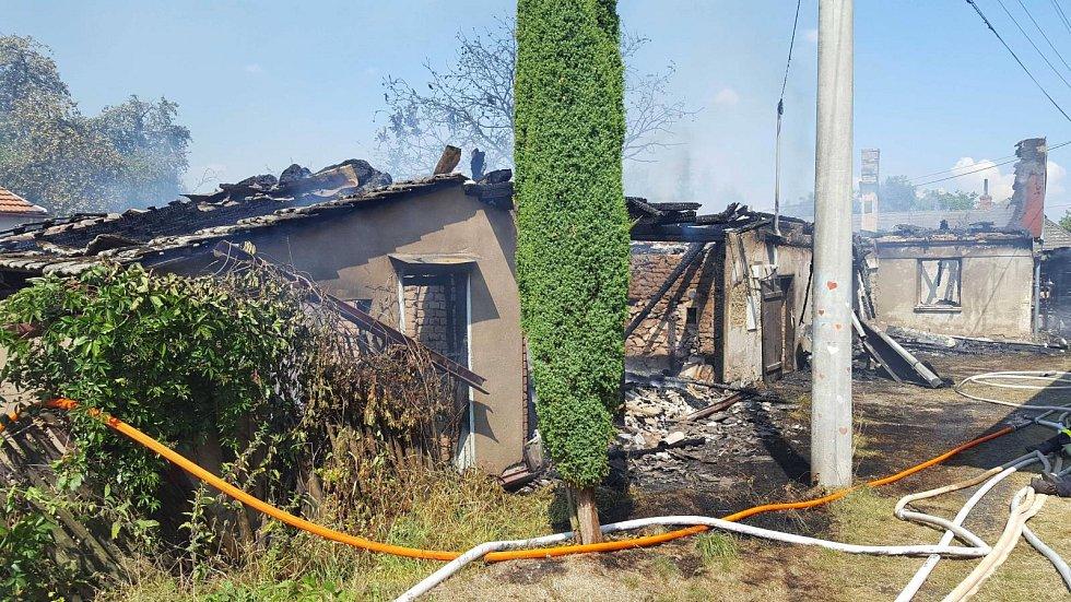 Požár rodinného domu v Chobyni