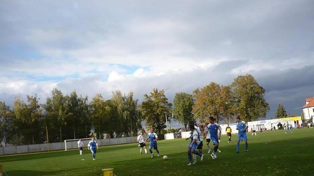 Určice (v modrém) proti Ústí u Hranic dostaly nakládačku