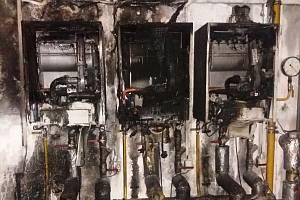 Následky požáru kotelny v prostějovské ulici Tetín, kde sídlí organizace Lipka a Jistota. Ty se starají o zdravotně hendikepované.