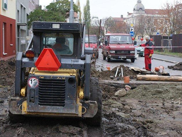 Kvůli stavebním pracím na kanalizaci je uzavřena Mlýnská ulice v Prostějově