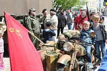 Historická vojenská technika na náměstí T. G. Masaryka v Prostějově. 4.5. 2019