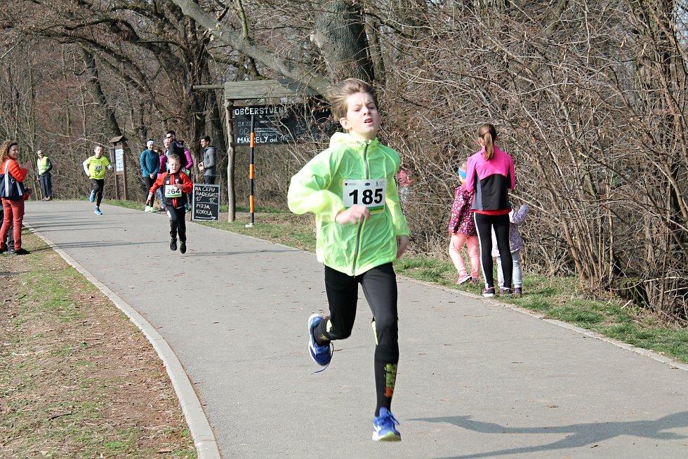 Běžecký půlmaraton v Biokoridoru Hloučela 24.3. 2019
