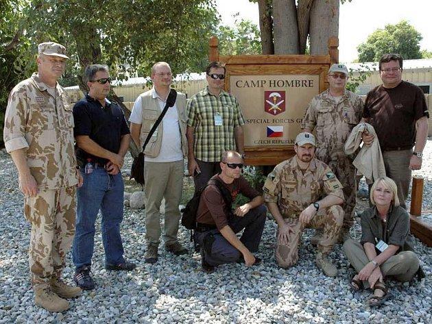Ministr Vondra na návštěvě u vojáků v Afghánistánu