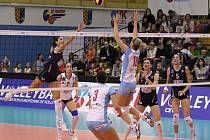 Agel Prostějov (v bílém) vs. Villa Cortese