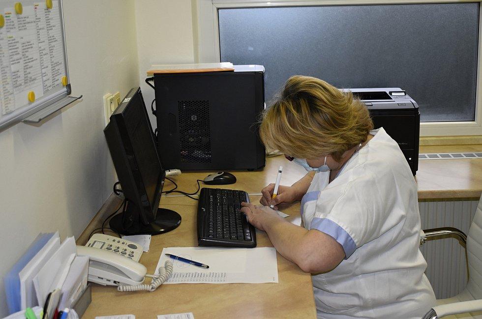 Očkování proti covidu v prostějovské nemocnici. Ilustrační foto