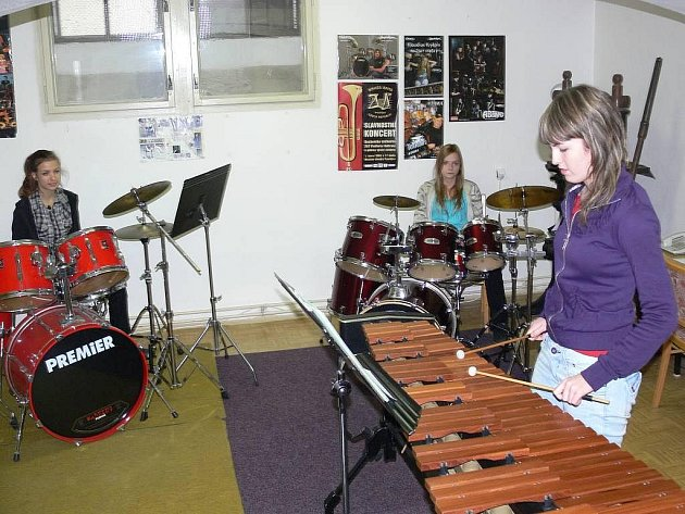 """Učebna bicích nástrojů prostějovské """"zušky"""""""
