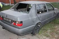 Tři mladíci na Drahansku zdemolovali auto