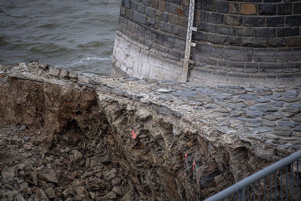 Rekonstrukce hráze vodního díla Plumlov, 8. dubna 2021 v Plumově.