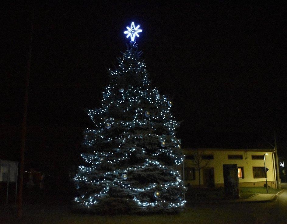 Vánoční strom 2020 v Čelechovicích na Hané