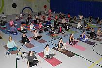 Benefiční jóga pro dětský hospic v Národním sportovním centru Prostějov.