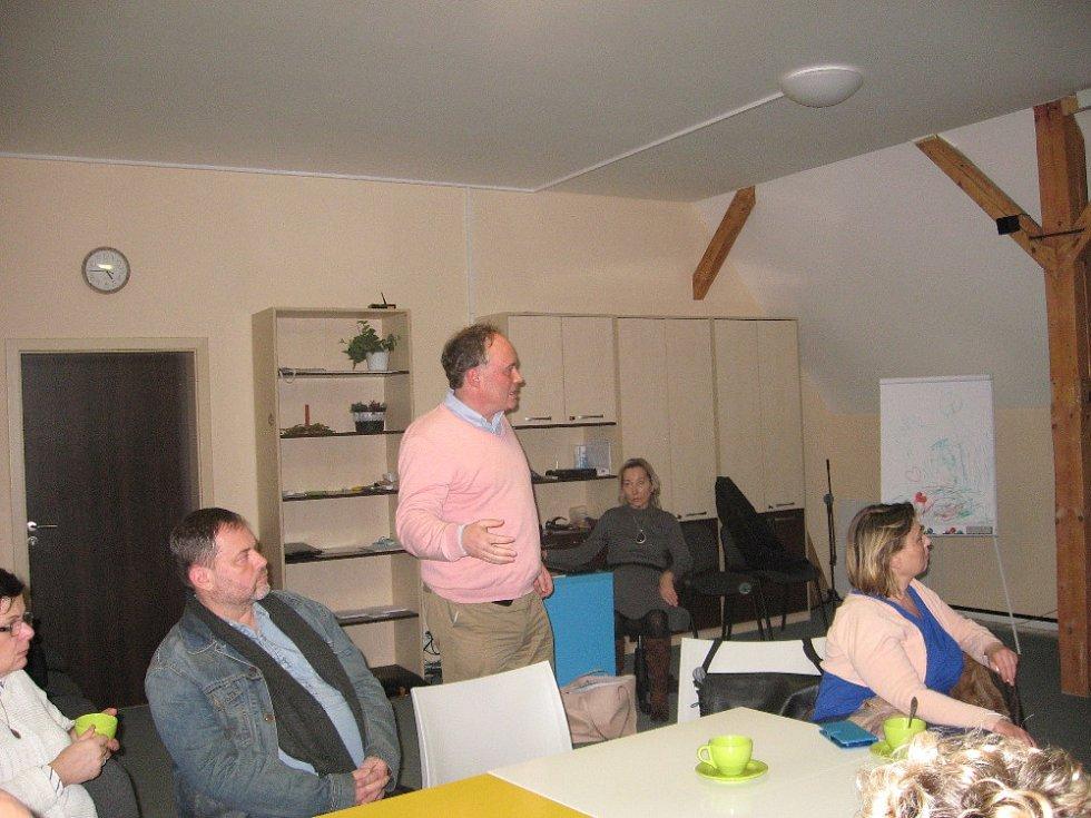Předvánoční setkání o návrzích rehabilitace starého židovského hřbitova v Prostějově