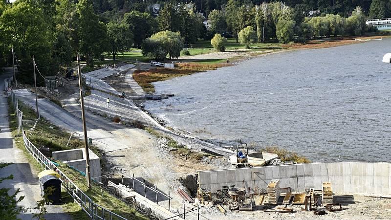 Plumlovská přehrada. Aktuální stav vodní hladiny je stále hluboko pod normálem. 24.9. 2021