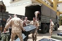 Generál Pavel navštívil Mali v době střídání jednotek. Prostějovští průzkumci z nové 5. jednotky právě dorazili na velitelství