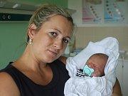 Adam Kunc s maminkou Alenou, Olšany u Prostějova, narozen 1. srpna v Prostějově, míra 51 cm, váha 3200 g