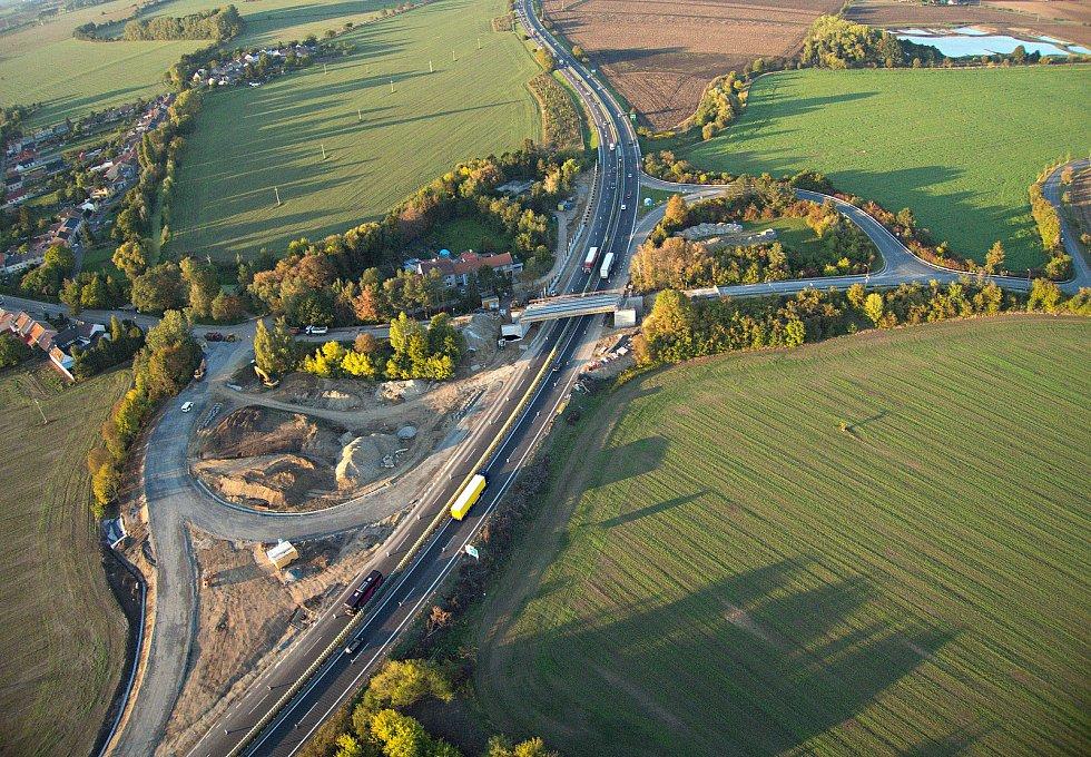 Nadjezd nad dálnicí D46 a exit u Olšan