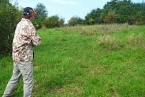 Ochránci přírody z Prostějova pečují o vzácné porosty u Ondratické pískovny