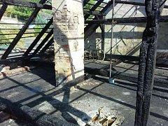 V Otaslavicích se hasiči potýkali s požárem rodinného domu.